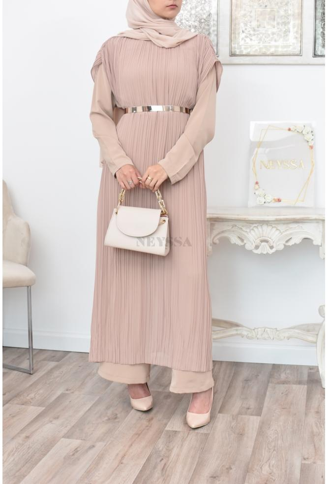 Long Cape jumpsuit a beautiful and original outfit for veiled women