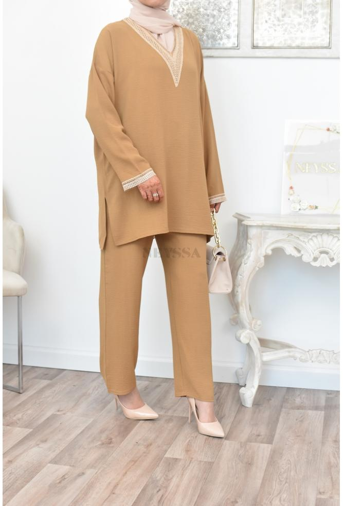 Perfect for summer, an embroidered, flowing and loose-fitting outfit